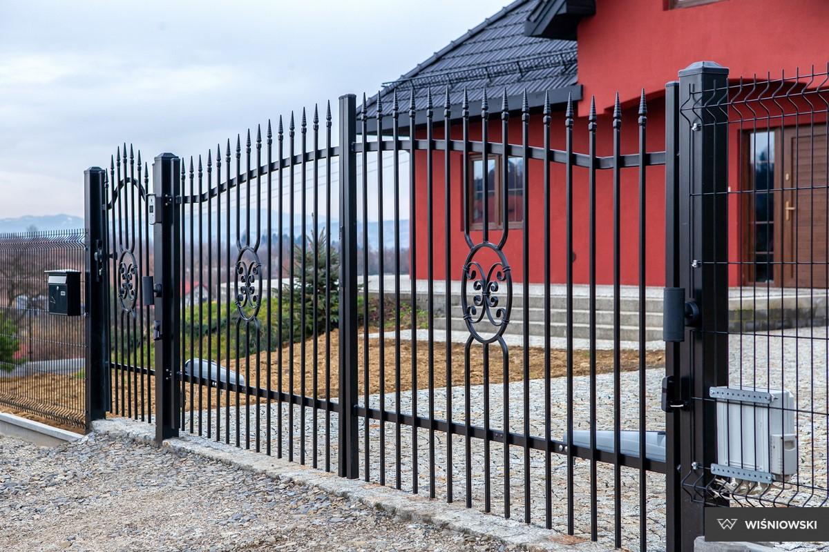 Grindar, staket, stängsel. System Basic.
